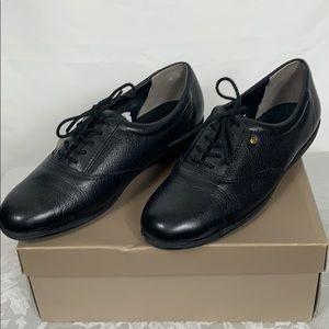 NIB easyspirit anti-gravity black leather shoes 8